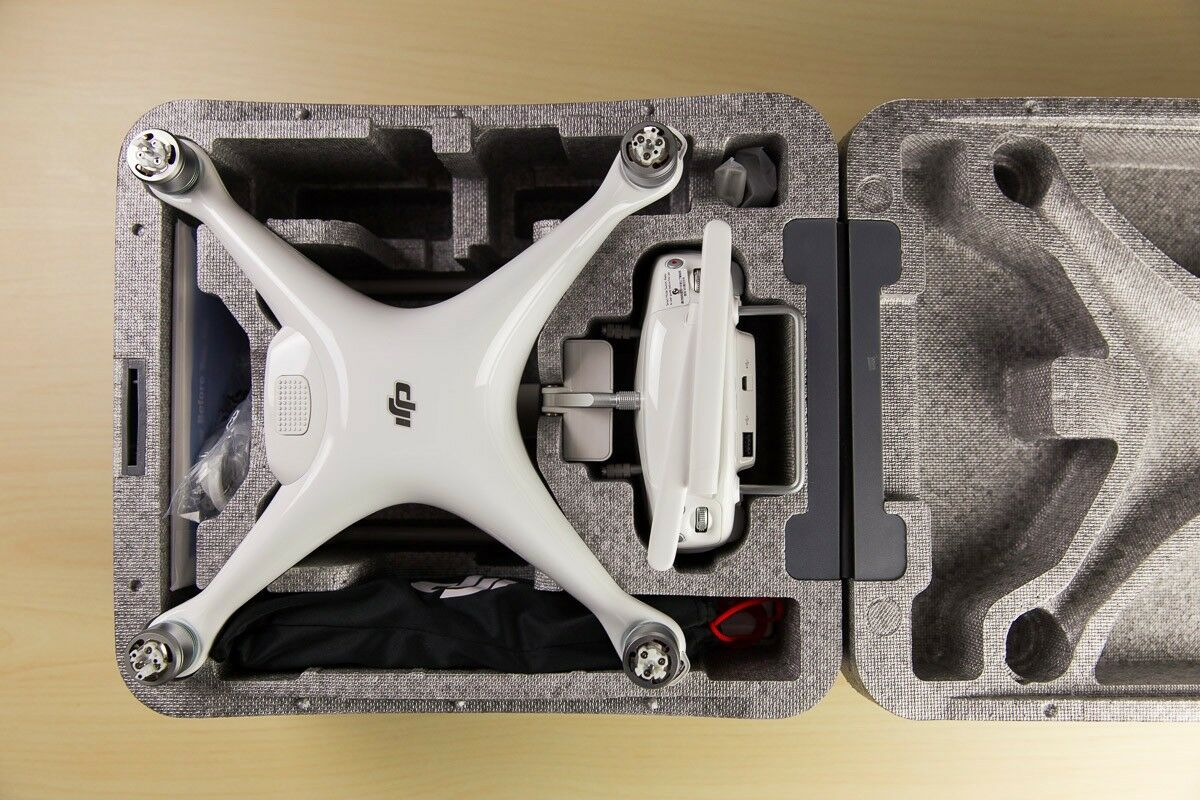 DJI Phantom 4 Drone Never Used.White. Great Professional Tool for Stunning Shots