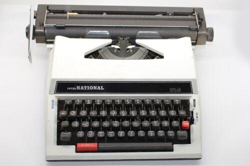 :Arabic typewriter Kasuga International 8000 TR DELUX made n Japan اله كاتبه عرب