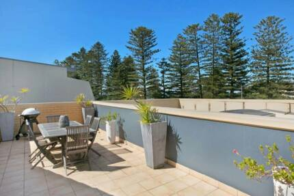 3 storey furnished townhouse at Newport Beach with ocean views!