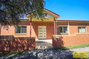 price drop!campsie five bedrooms house $700