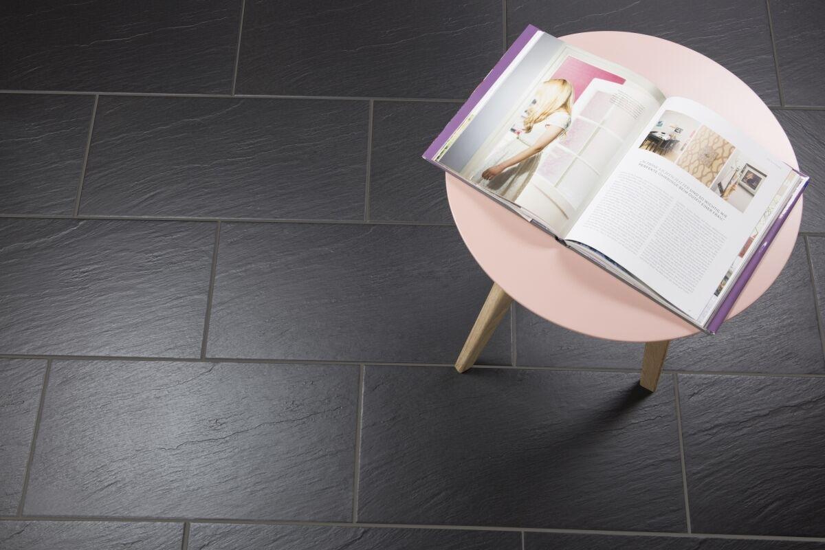 muster der bodenfliesen schieferoptik geo schwarz. Black Bedroom Furniture Sets. Home Design Ideas