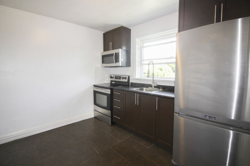 Renovated 1 Bed in Kitchener - Steps to New LRT Station ...