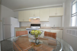 TWO BEDROOM WITH BALCONY - MID-AUGUST/SEPTEMBER 1!
