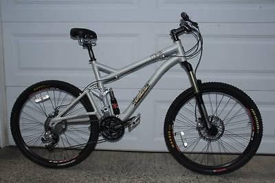 Iron Horse MKIII Dual Suspension Mountain Bike Silver 19 frame 26 wheel