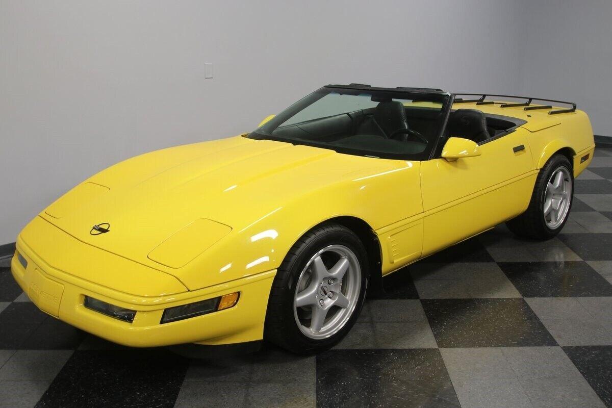 1996 Yellow Chevrolet Corvette Convertible    C4 Corvette Photo 6