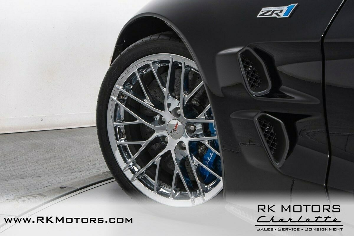 2011 Black Chevrolet Corvette ZR1 3ZR | C6 Corvette Photo 6
