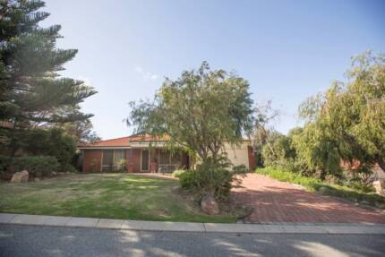 Large family home in great location in Kinross. Kinross Joondalup Area Preview