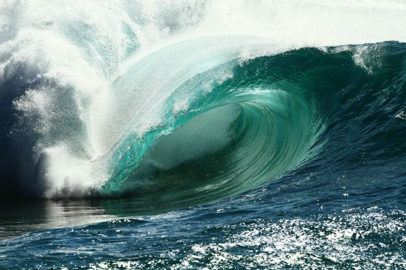 """Hawaii Shorebreak 12x18"""" Photo"""