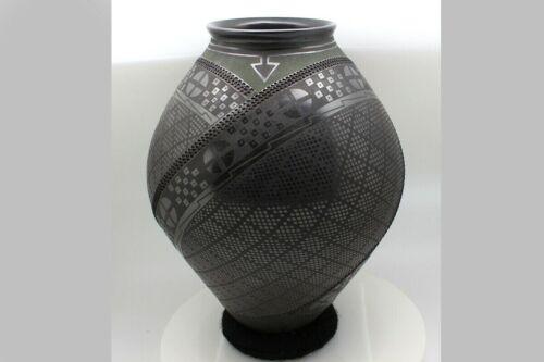 Mata Ortiz Pottery Artist Intricate Paquime Green Matte Shiny Black Glaze Large