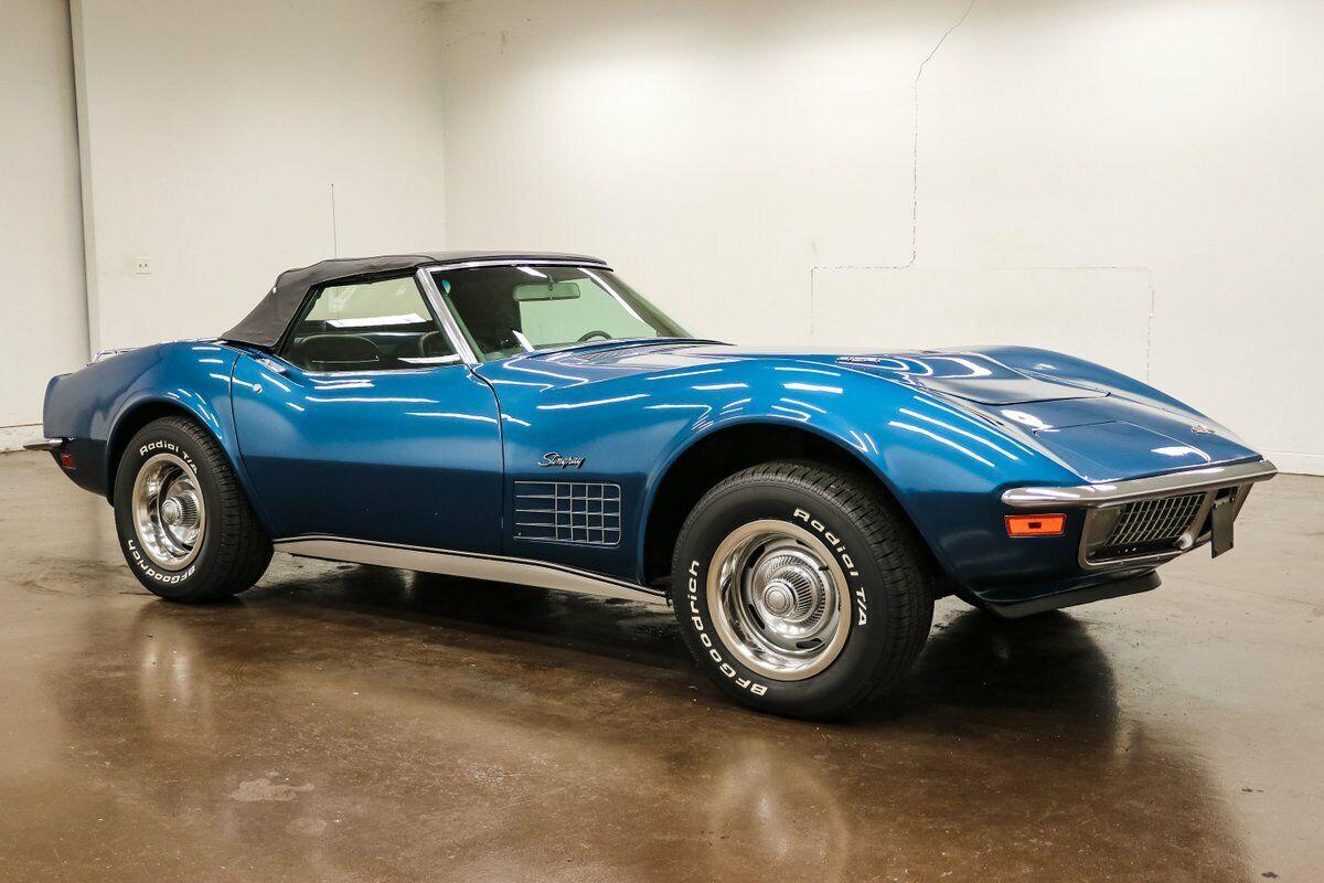 1970 Blue Chevrolet Corvette Stingray  | C3 Corvette Photo 2