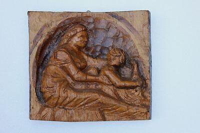 Mutter mit Kind Holzrelief