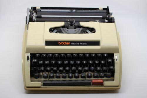 Arabic typewriter Brother DELUXE 750 TR made in Japan. اله كاتبه عربي