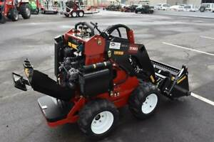TORO 320D WHEELED MINI LOADER Aldinga Beach Morphett Vale Area Preview