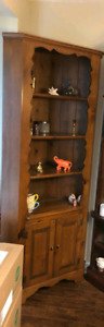 EXCELLENT CONDITION ANTIQUE HAND CRAFTED WOOD CORNER CABINET