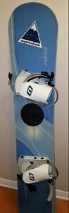 2 snowboard   bottes et planche  à  neige