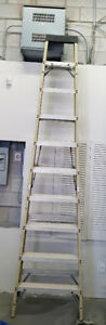 10 Foot Fiberglass Step Ladder - Featherlite