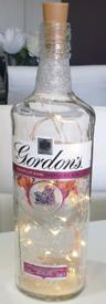 Bottle light Gordon's gin