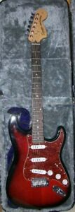 Fenders Squier Stratocaster Electric Guiter w/Fender Amp