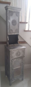 Moving- Beautiful Silver (Grey) Upper and Lower Cabinet