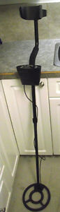 Bounty Hunter 2200 Metal Detector Like New
