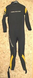Wetsuits in medium to large