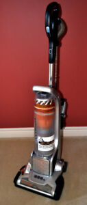 Electrolux Precission self cleaning brush upright bagless vacuum