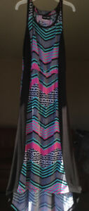 High low pink, black, aqua, and white chevron dress. $5