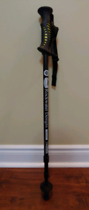 1 telescopic trekking pole only used once