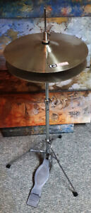 Working Hi-Hat stand and cymbals