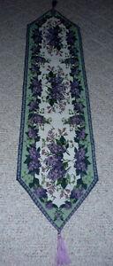 Lavender & Sage Brocade table runner .. like New .. Cambridge Kitchener Area image 2