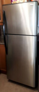 Kenmore 20.6 cu. ft. Top Freezer Refrigerator - Stainless Steel