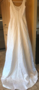 **WHITE PRIVATE COLLECTION WEDDING DRESS FOR SALE-SIZE 10**
