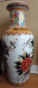Collectible Chinese decorative tall vase planter pot  Excellent London Ontario image 7