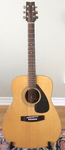 Yamaha FG 160 acoustic guitar with case