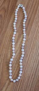 collier de VRAI perle multicolore pour 100$