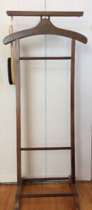 PREOWNED MEN'S VALET STAND