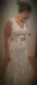UNALTERED!! Maggie Sottero, beautiful ivory & lace, size 10