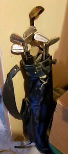 Small set of Mens golf clubs