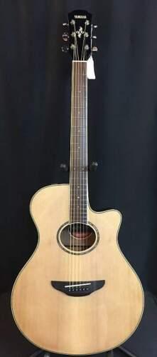 Yamaha APX600NA Thin Body Acoustic-Electric Guitar Natural