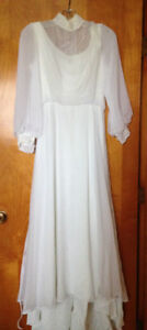 Petite Vintage Wedding Dress & Hat