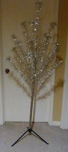 Vintage 6' silver Stainless Aluminum POM POM Christmas Tree Kitchener / Waterloo Kitchener Area image 5
