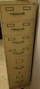 6 drawyer very big  filing cabinet with 2 keys