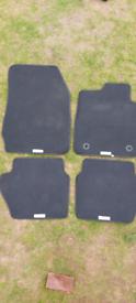 Fiesta luxury car mats full set