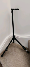 Guitar stand with neck