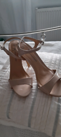 Ladies high heel sandals size 7