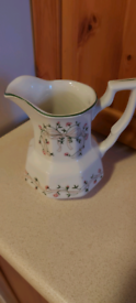 FREE Jug, Cups. Great condition