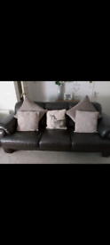Leather suite for sale £180