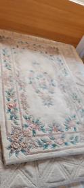Cream flower rug 152 x 91cm