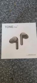 LG free headphones
