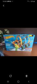 Hotwheels corkscrew loop